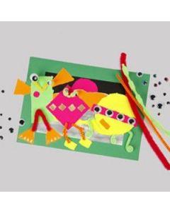 Afbeelding met gescheurde stukken neon papier
