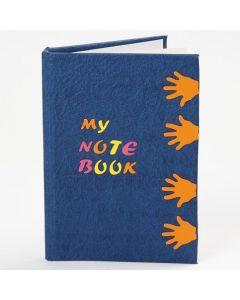 Notitieboek met uitgestanste vormen