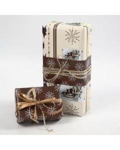 "Cadeaus verpakt in Vivi Gade ""Oslo"" Design cadeaupapier"
