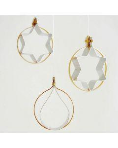 Buigzame decoraties gemaakt van plat goud en zilver aluminiumdraad