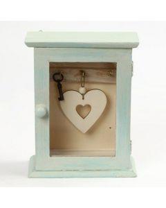Een houten sleutelkast gedecoreerd met Chalky Vintage Look