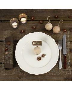 Decoreer de kersttafel met natuurlijke materialen