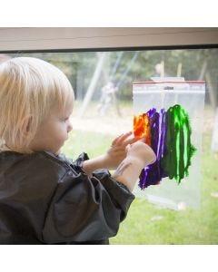 Een afbeelding verven in een transparante plastic zak