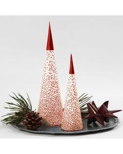 Verlichte kerstboom gemaakt van een kegel
