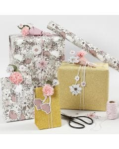 Cadeaus inpakken met bloemen