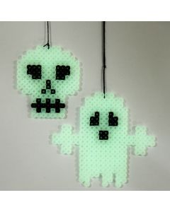 Lichtgevend spook en doodshoofd van Nabbi strijkralen