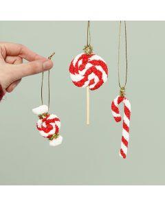 Zuurstokjes van Foam Clay voor kerst om op te hangen