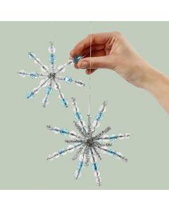 Sneeuwvlokken van chenille met kralen