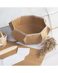 Faux leather mandje met gehaakte rand van raffia