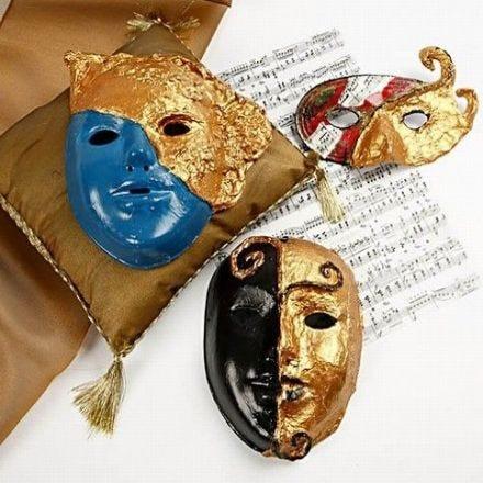 Rococo maskers