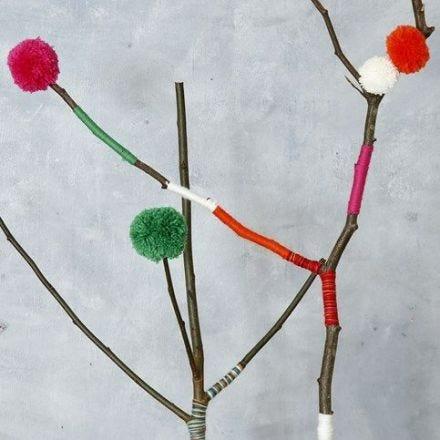 Pom-Poms in diverse maten gemaakt met een Pom-Pom Maker