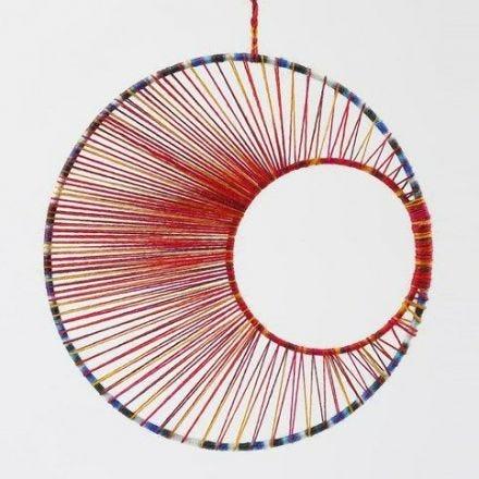String Art – Een mobiel gemaakt van metalen ringen en garen