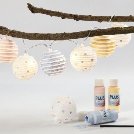 Lichtslinger met lampen van rijstpapier