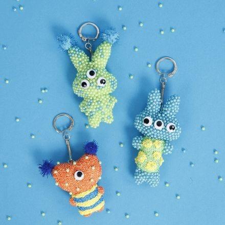 Dieren sleutelhangers van textiel met Pearl  Clay
