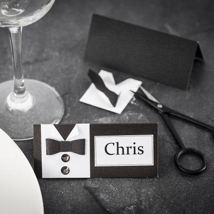 Plaatskaart voor communie diner met overhemd en vlinderstrik