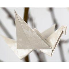 Een vogel gevouwen van papier