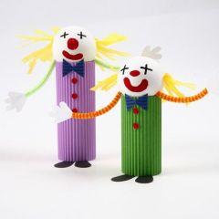 Clown gemaakt van ribbelkarton
