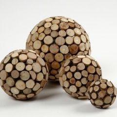 Styropor ballen met houten schijven