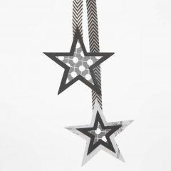 Gelaagde sterren op een lint