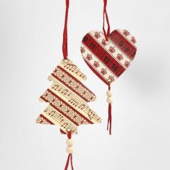 Kerstdecoraties van karton  met masking tape