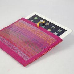 Een hoes van vilt voor telefoon of tablet