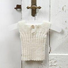 13936 Breien voor een baby – bodywarmer van zachte Merino wol