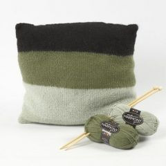 Een gebreid en vervilt kussen van zacht Melbourne wol