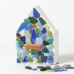 Papier-maché huis met glas mozaïek