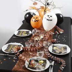 Feestelijk gedekte tafel voor Halloween