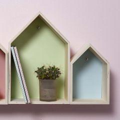 Houten huis show dozen gedecoreerd met karton