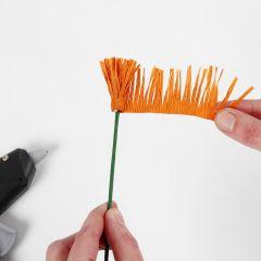 Hoe maak je de meeldraden voor bloemen van crêpepapier (de franje techniek)