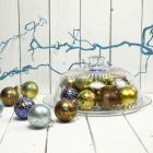 Kerstballen met goud