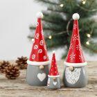 Nieuwsgierige houten kerstkabouters geverfd met Plus Color Acrylverf
