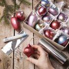 Houten kerstballen met Art Metal verf en deco-folie