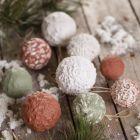 Kerstballen met papier-maché pulp