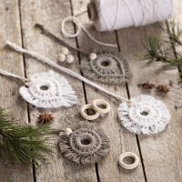 Macramé hangende decoraties met kralen