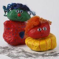 Grappige trollen van steen