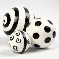 Gevernisde gipsballen met grafisch design