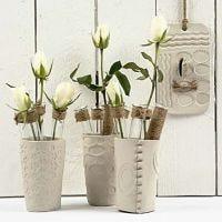 Vazen van zelfhardende klei