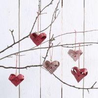Gevlochten harten gemaakt van vlechtstroken