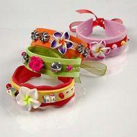 Armbanden gemaakt van foam rubber