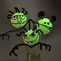 Glow-in-the-Dark styropor Monsters