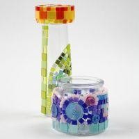 Glaswerk met kleurrijke mini mozaïek tegels