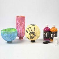 Vazen gemaakt van gipsgaas op ballons