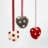 Een hart gemaakt met de naaldvilt techniek