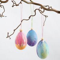 Natuurlijke eieren geverfd met waterverf