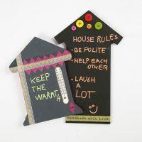 Huisjes met schoolbordverf om op te schrijven