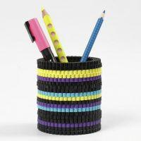 Een pennenbak gemaakt van Nabbi strijkkralen