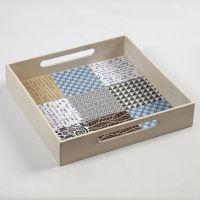 Een dienblad gedecoreerd met Vivi Gade Design papier