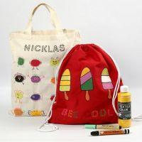 Kleurige boodschappen- en schoenentassen